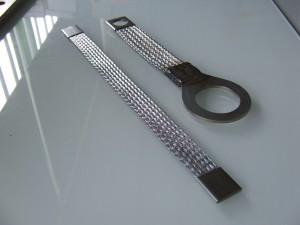 Stainless steel bond